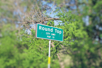 Round_top_pop_sign